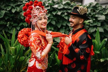 When love bridges cultures: Valerie & Hamzah also held a traditional Chinese wedding, solemnizing it with the tea ceremony.